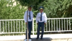 Lebabyň polisiýa işgärleri parahorluk sebäpli hak-hukuklarynyň berilmeýändiginden nägile
