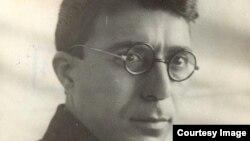 Yazıçı Cəfər Cabbarlı.