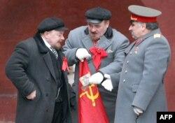 Двайнікі Леніна і Сталіна ў цэнтры Масквы.