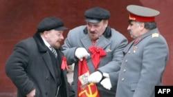 КIиго Ленинги цо Сталинги Москваялъул БагIараб Майданалда, 7Янв2009