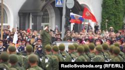 Парад приймав ватажок угруповання Леонід Пасічник