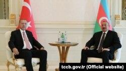Ilham Əliyev və Recep Tayyip Erdogan. Foto arxiv