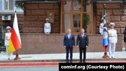 Лидеры Южной Осетии иДонецкой народной республики Анатолий Бибилов и Александр Захарченко