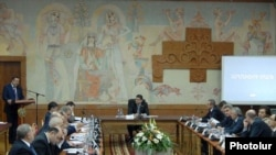 Armenia -- The cabinet of ministers meets in Armavir on December 17, 2009.