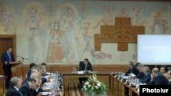Հայաստան -- Կառավարության նիստը Արմավիրի մարզում, 17-ը դեկտեմբերի, 2009թ.