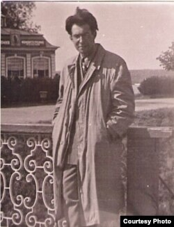 Поэль Карп, 1949-1950