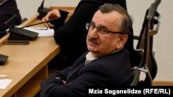 По словам Романа Гоциридзе, консультации по созданию широкой коалиции все еще продолжаются