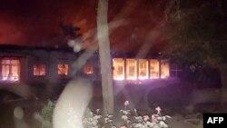 Աֆղանստան - Կունդուզի հիվանդանոցը այրվում է ամերիկյան օդուժի հարվածներից հետո, 3-ը հոկտեմբերի, 2015թ․