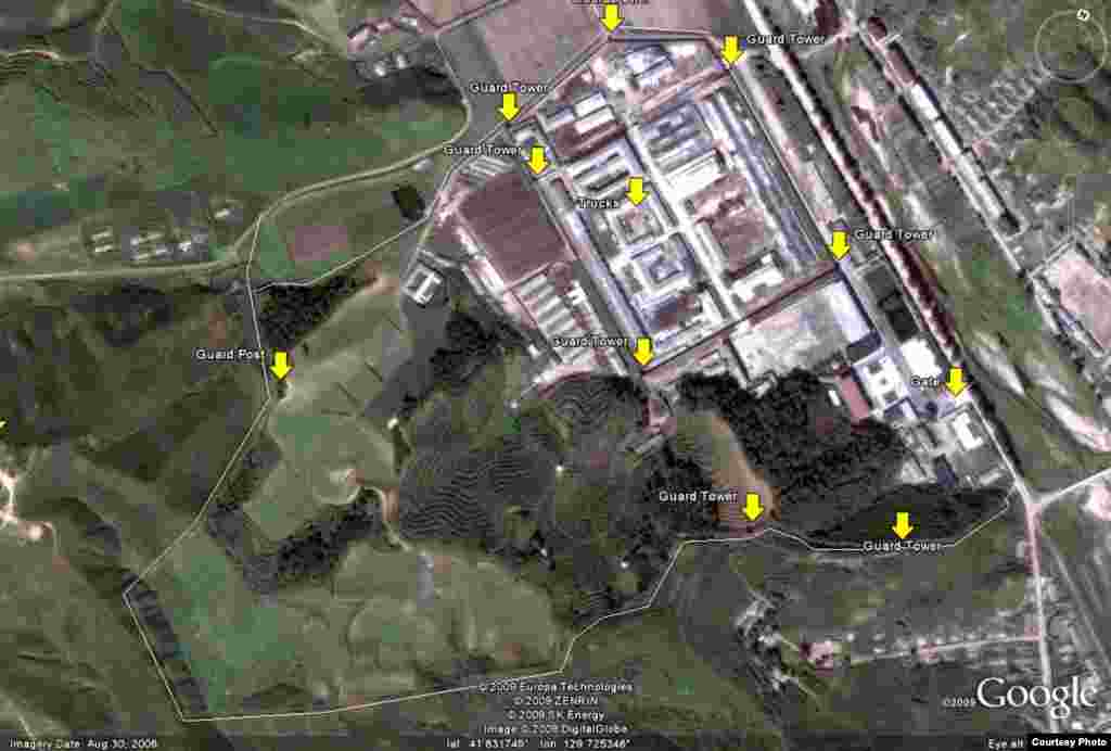 Лагерь № 25 также вмещает в себя завод по производству велосипедов, которые очень ценятся в Северной Корее. На карте отмечены сторожевые башни.
