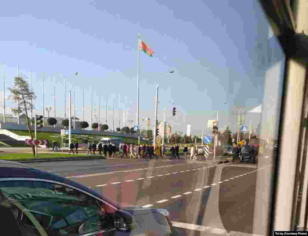 A large number of security officers were seen near Independence Palace, where the swearing-in ceremony took place.