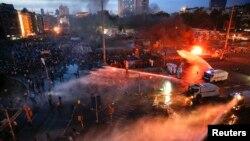 Площадь Таксим в ночь на 12 июня