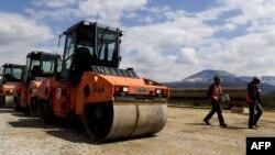 Ndërtimi i rrugëve në Kosovë...