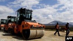 Autoput koji veže Kosovo sa Albanijom izgradio je američko-turski konzorcijum Bechtel-Enka