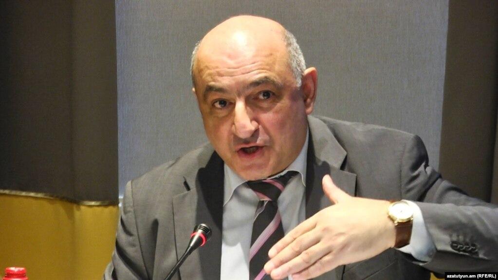 Борис Навасардян: Подвластные оппозиции СМИ расшатывают систему управления Арменией