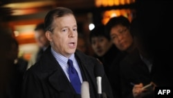 U.S. special envoy on North Korea, Glyn Davies, briefs the press ahead of bilateral talks with North Korea in Beijing.