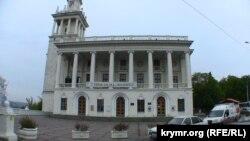 Театра имени Лавренева