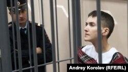 Надежда Савченко в зале суда, март 2015 года.