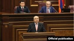 Председатель Палаты представителей Кипра Янакис Омиру в Национальном Собрании Армении, 19 ноября 2014 г․