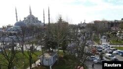 مسجد سلطاناحمد استانبول. ۱۲ ژانویه ۲۰۱۶
