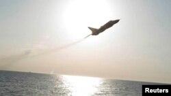 Болтиқ денгизи узра парвоз қилаётган Россия ҳарбий самолёти.