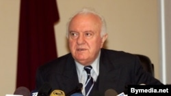 Грузия президенти Эдуард Шеварнадзеге 1998-жылдын 9-февраль күнү Тбилиси шаарында кол салынган.