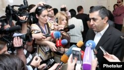 Armenia - Armen Rustamian, topping the list of the Armenian Revolutionary Dashnaktsutiun Party at the Yerevan city elections, talks to journalists after casting his vote, Yerevan,5May,2013