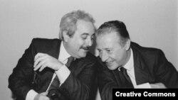 Джованни Фальконе и Паоло Борселлино - судьи, боровшиеся с сицилийской мафией и убитые ею