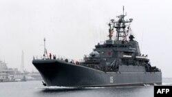 Киштии Русия дар бандари Севастополи Қрим