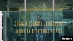 Реакции со стороны Министерства внутренних дел пока никакой не наблюдается, в этом ведомстве за две недели никто даже не прокомментировал произошедшее