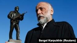 Скульптор Салават Щербаков и его творение