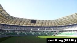 """Toshkentda quralyotgan 35 ming kishilik """"Bunyodkor"""" stadioni joriy yilning sentabr oyidan boshlab ishga turishiriladi."""