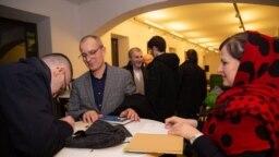 Чеченцы в Вене, встреча с известным чеченским поэтом Апти Бисултановым