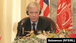 په افغانستان کې د امریکا پخوانی سفیر رلیان کراکر