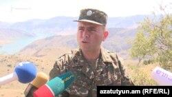 Հայ զինծառայողները նշանառության տակ են պահում հակառակորդի դիրքերը Նախիջևանի սահմանին