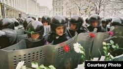Заштита за властите, фотографија на Олег Кутскиј