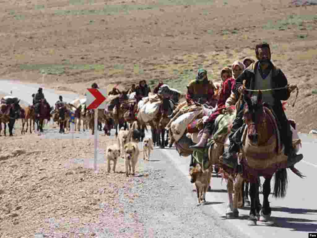Nomadski narodi sezonski migriraju...