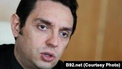Директорот на српската владина канцеларија за Косово Александар Вулин