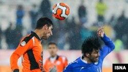 دیدار تیمهای فوتبال استقلال و مس کرمان در مرحله نیمه نهایی جام حذفی- ۱۵ بهمن ۱۳۹۲