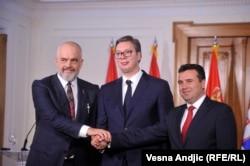 Albanian Prime Minister Edi Rama (left), Serbian President Aleksandar Vucic (center), and Zoran Zaev, the prime minister of North Macedonia, in Novi Sad on October 10.