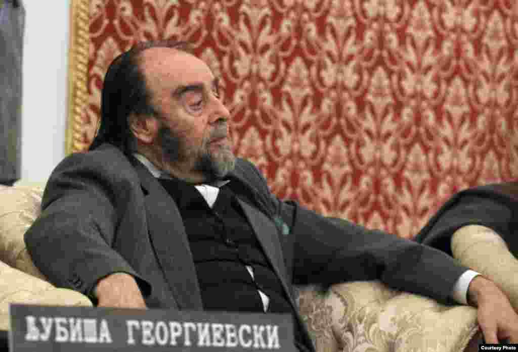 МАКЕДОНИЈА - На 81-годишна возраст почина режисерот и професор Љубиша Георгиевски, поранешен претседател на Собранието и амбасадор.