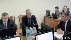 Сотир Цацаров, Лозан Панов и Данаил Кирилов по време на заседание на ВСС