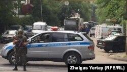 Алматыдагы 18-июлдагы чабуулдан курман болгондордун саны сегиз адамга жетти.