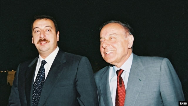 Heydar Aliyev (right) signed a decree on August 4, appointing Ilham Aliyev (left) as prime minister of Azerbaijan, several months before he passed away.