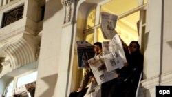 Тысячи стамбульцев почтили память Гранта Динка в день его убийства