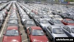 Украинининг Запорожье автозаводида ишаб чиқариладиган Lanos ва Sens машиналари ҳам Daewoo маркаси остида чиқади.