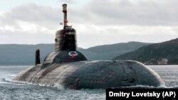 Unul dintre cele mai mari submarine nucleare rusești din clasa Akula. Poate transporta circa 27500 tone și patrulează Marea Barents