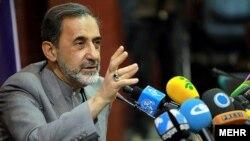 مشاور علی خامنهای میگوید هدف ایران «حفظ زنجیره مقاومت» است.