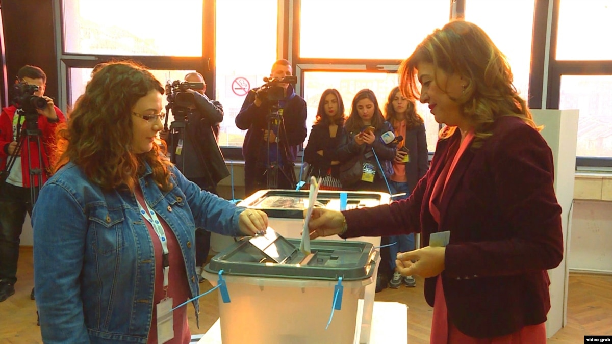 Kosovo Voters Go To Polls For Local Elections