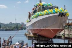 Спуск на воду бронекатера «Гюрза-М». Фото Міністерства оборони України