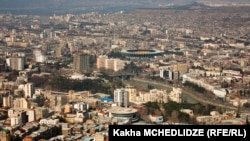 Вид на столицу Грузии Тбилиси.